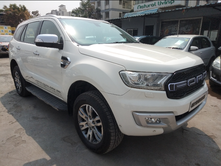 FORD ENDEAVOUR TITANIUM 3.2 4X4 AT