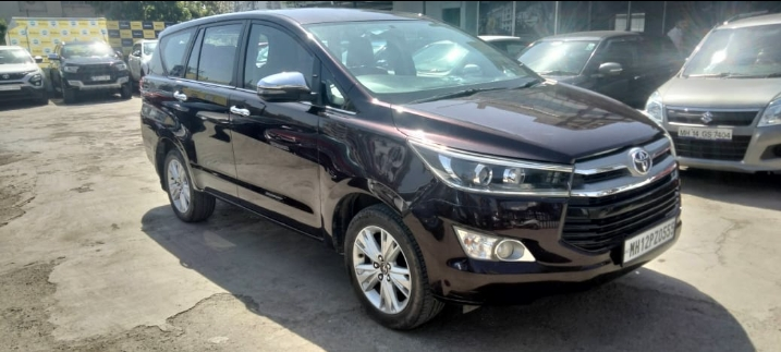 TOYOTA INNOVA CRYSTA 2.8 ZX AT 7 STR