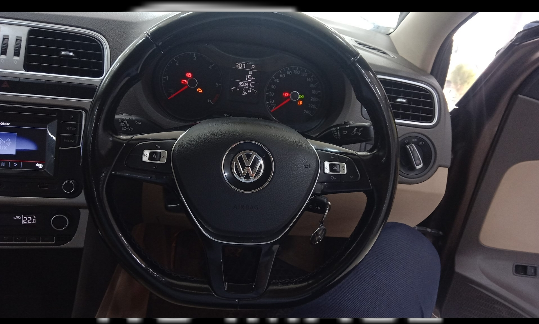 VOLKSWAGEN VENTO HIGHLINE 1.5 DIESEL AT