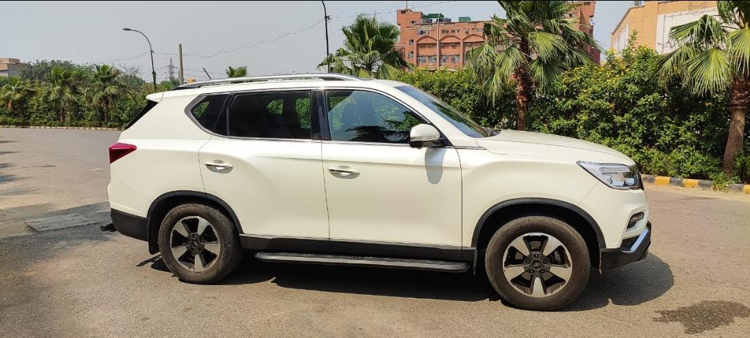 MAHINDRA ALTURAS G4 4WD AT