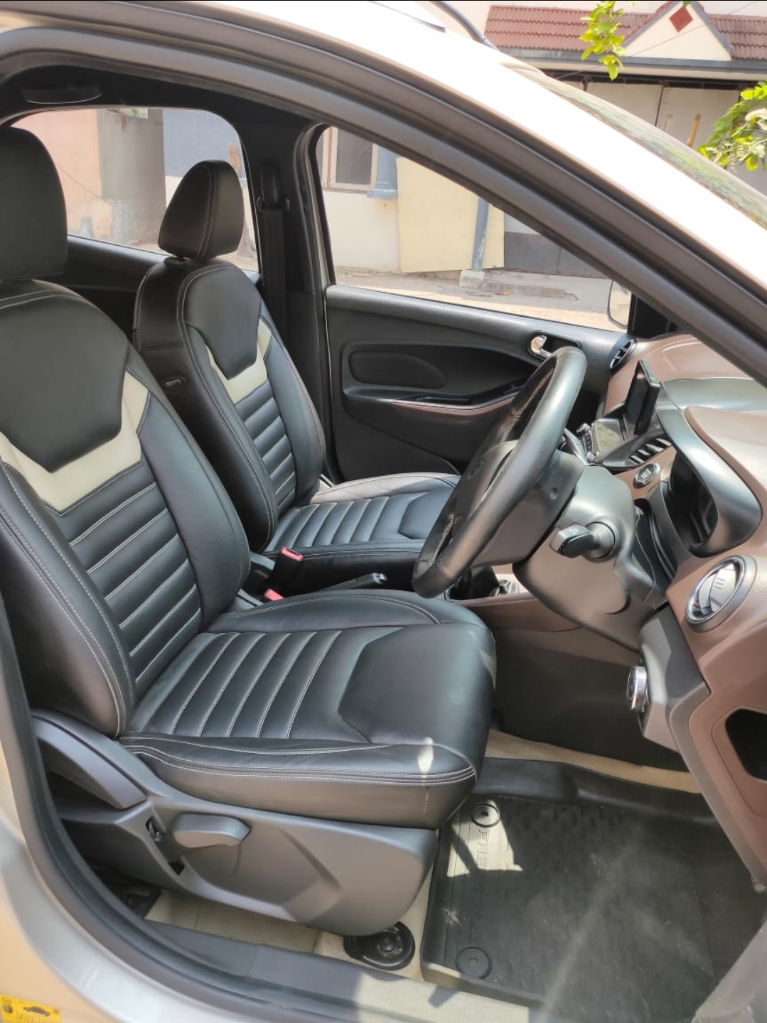 Front_seats 20210330131612